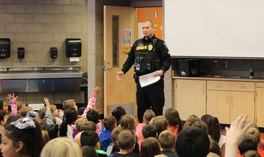 ​USD 231, City of Gardner and Gardner PD Team-Up to Educate Primary Students