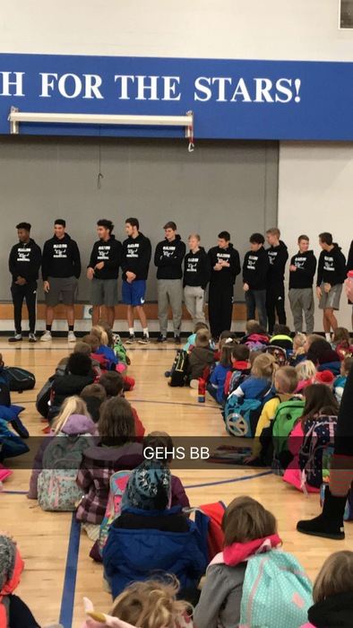 HS Boys BB Team visit MLE